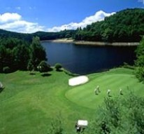 Golfing communities for active retirees