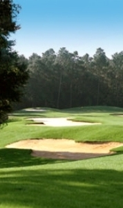 Retirees find affordable golf course commities